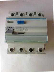 Hager Fi-Schutzschalter CDA440D 4-polig 40/0.03 Ampere 161007